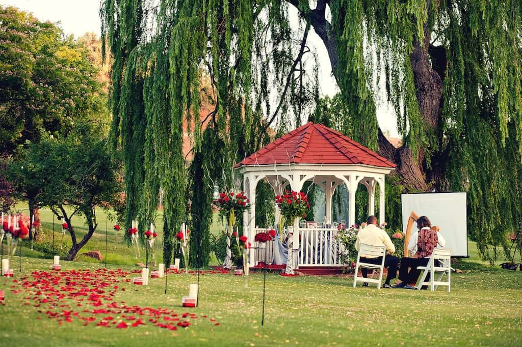 romantic-gazebo-proposal.jpg
