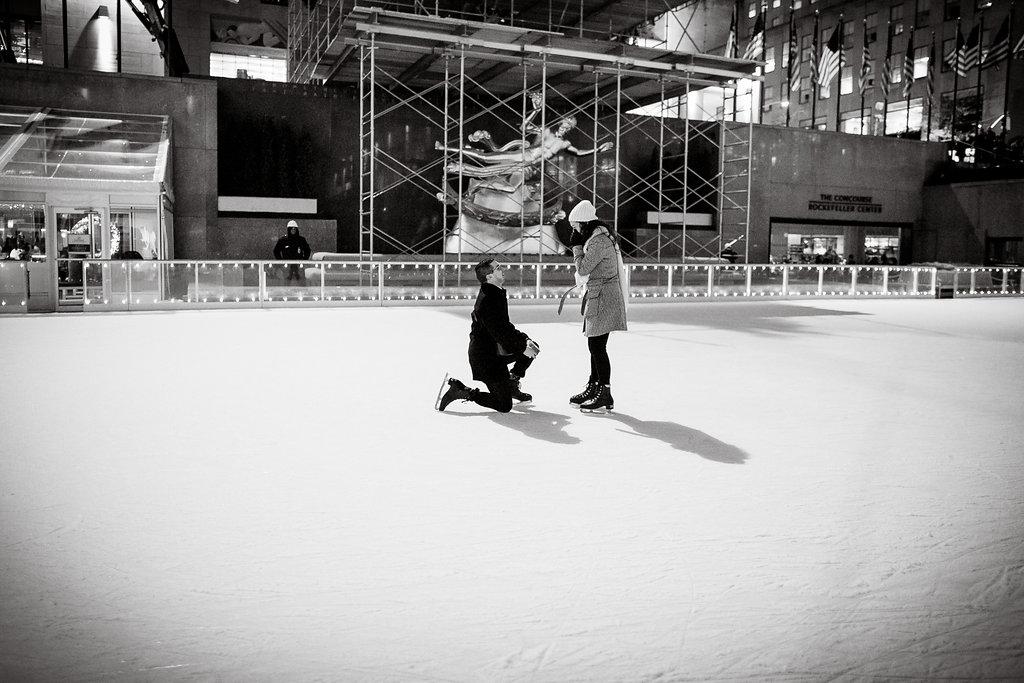 new-york-rockefeller-ice-skating-proposal-7.jpg