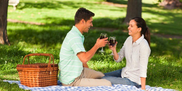 romantic-picnic-proposal-idea-600x300.jpg