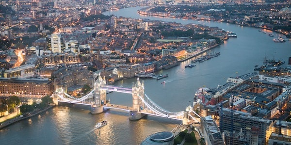 private-helicopter-tour-proposal-london-600x300.jpg