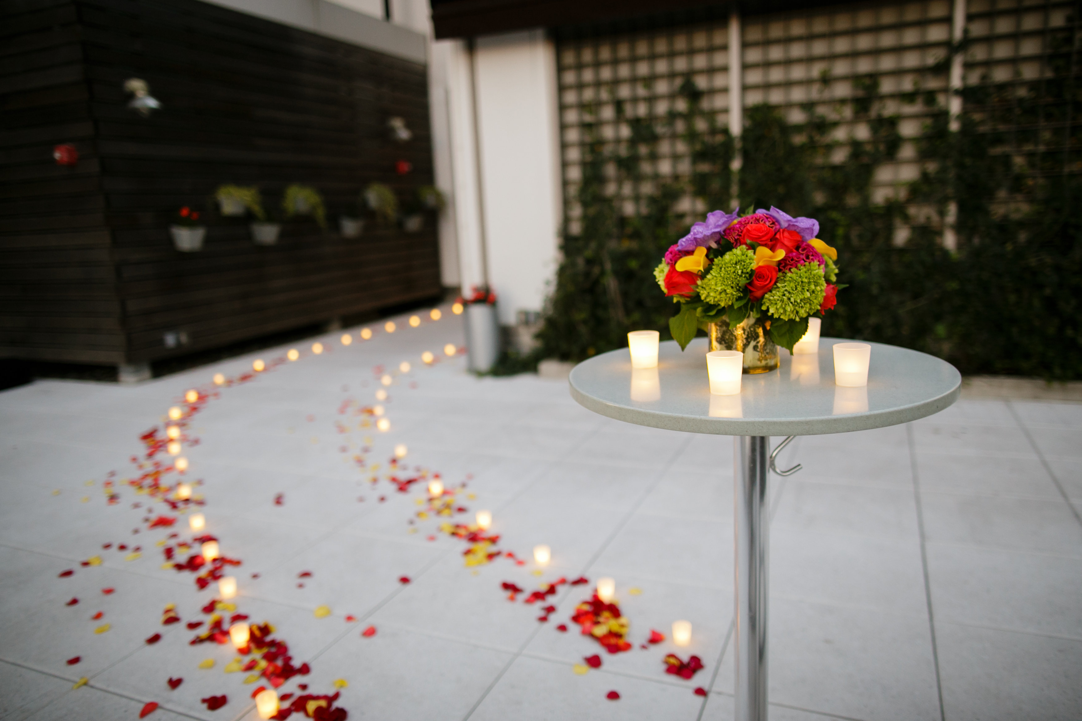 NY-Candle-and-bouquet.jpg