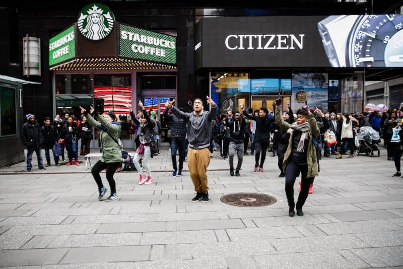 new-york-flash-mob-proposal-idea-2-e1490330534171.jpg