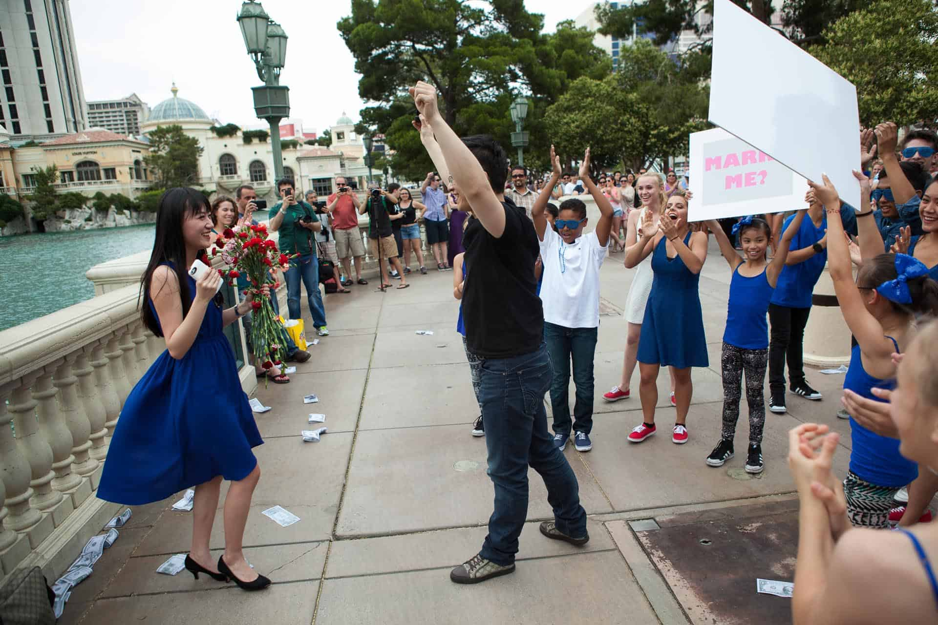 flash-mob-las-vegas-proposal-idea-13.jpg